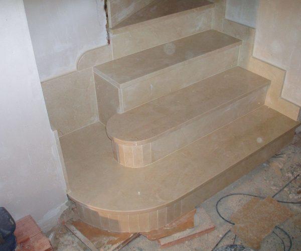 Escalera Mármol Crema Marfil 2